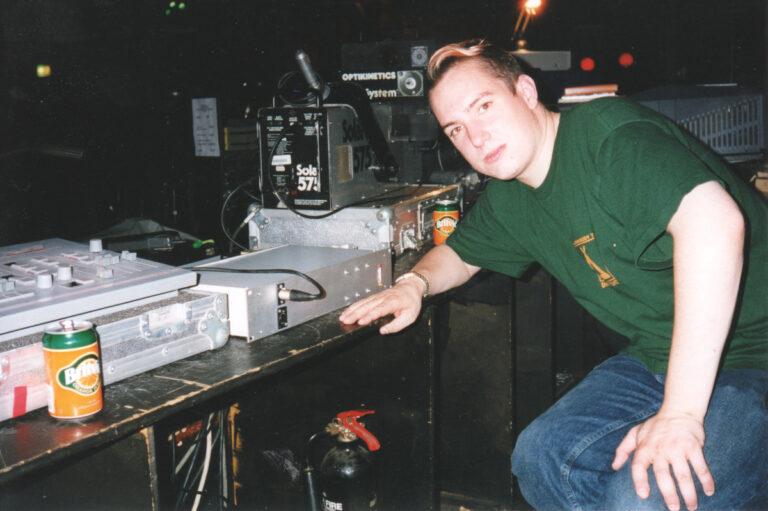 Glastonbury 1997 crowd